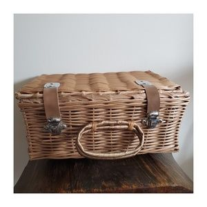 Wicker Basket with Pearl Finish and Metal Clasps